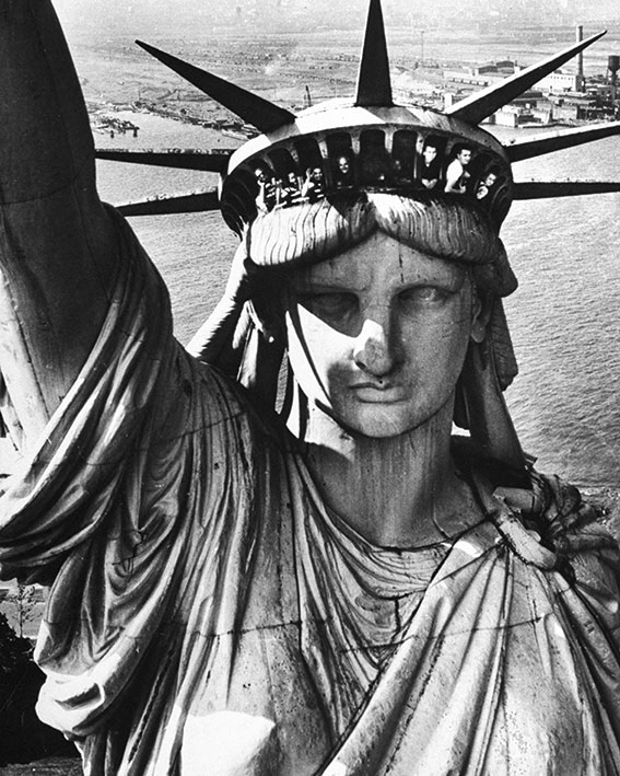 Time Life (Statue of Liberty) Canvas Print